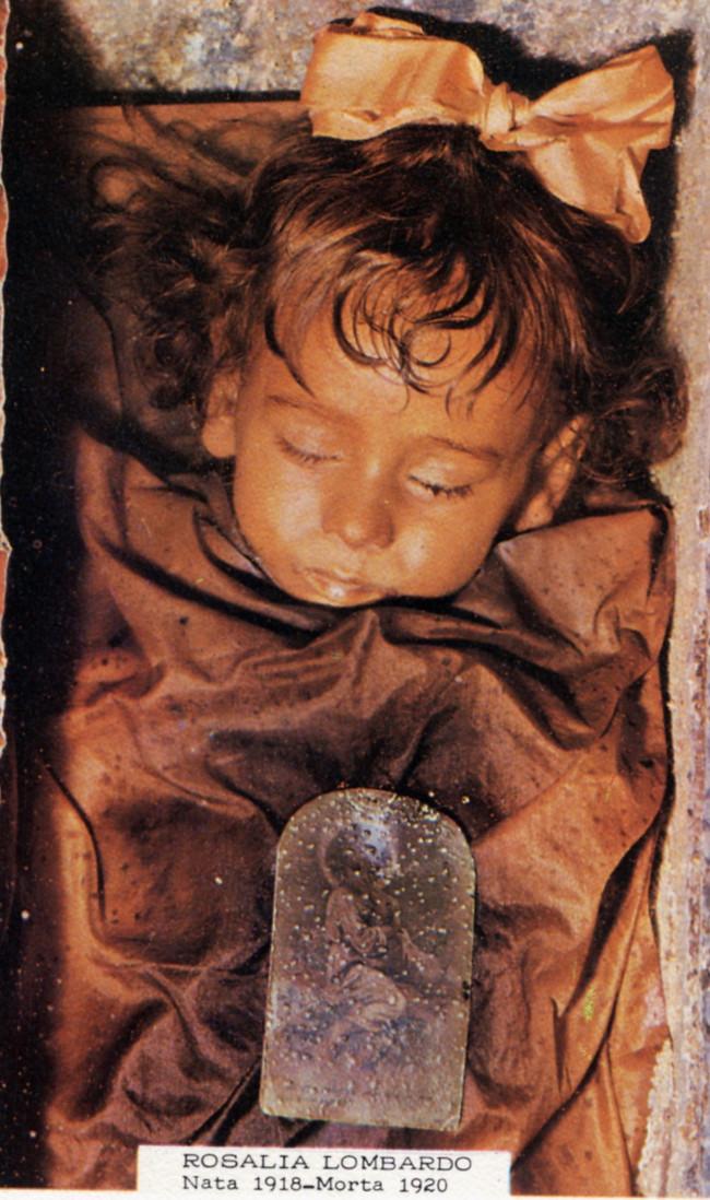 """Xác ướp của cô bé 2 tuổi người Italy Rosalia Lombardo được đánh giá là """"xác ướp đẹp nhất thế giới""""."""
