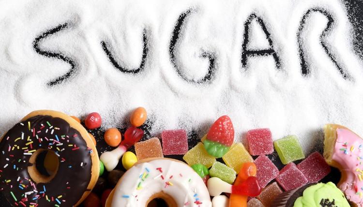 Một số trẻ em ăn nhiều đồ ngọt, chúng vận động chỉ là cách để giải tỏa năng lượng.