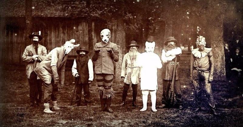 Vào những năm 1900 - 1920, người dân Mỹ và một số nước tưng bừng đón lễ hội Halloween.