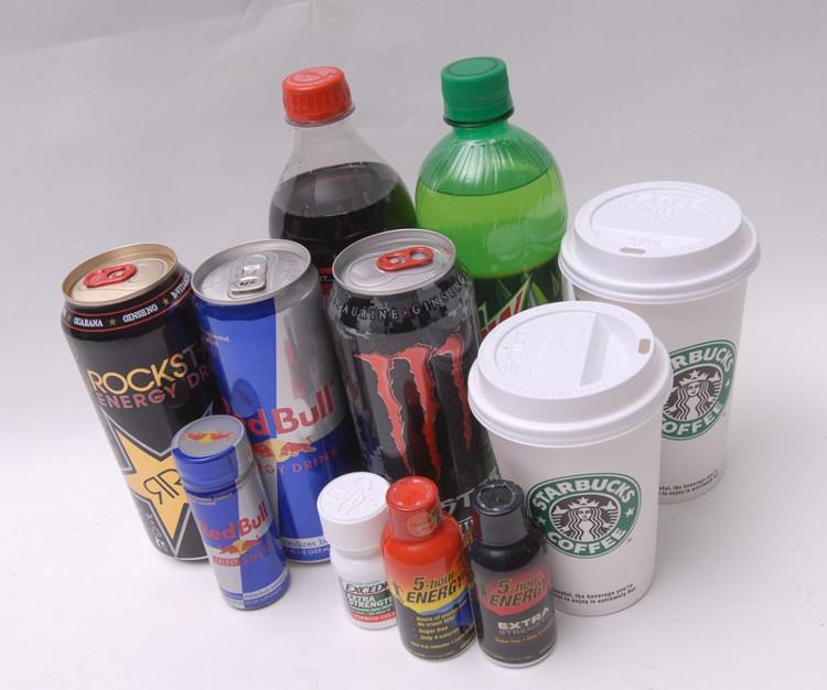 Đừng lạm dụng cà phê, đồ uống tăng lực và nước ngọt.