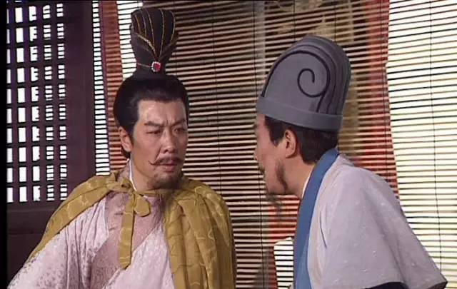 Khổng Minh bày kế cho Lưu Bị sang Đông Ngô.