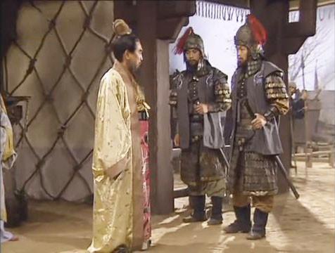 2 tướng Sái Mạo – Trương Doãn là thuỷ sư lâu năm dày dặn kinh nghiệm, đang ngày đêm huấn luyện quân Tào trước trận Xích Bích.