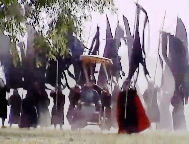 Gia Cát Lượng giả ma giả quỷ đến nhảy nhót trước trại Tư Mã Ý.
