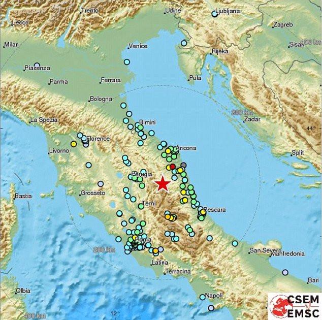 Tâm chấn của trận động đất nằm ở độ sâu 10km, cách thành phố Perugia khoảng 65 km về phía đông nam.