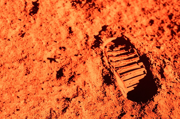 Trọng lực trên sao Hỏa chỉ bằng 1/3 Trái đất.