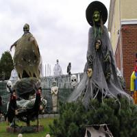 16 kẻ đùa dai cứ đợi đến Halloween là bày trò dọa người