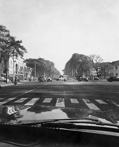 Đại lộ Thống Nhất (đường Lê Duẩn ngày nay).