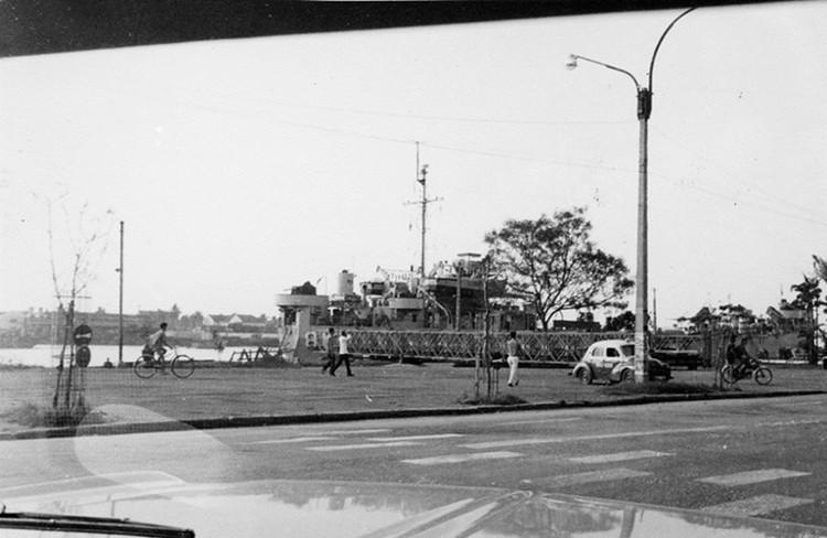 Bến Bạch Đằng, Sài Gòn năm 1965.