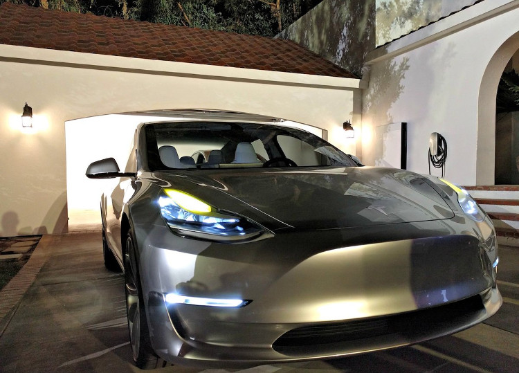 Một trong ba yếu tố thuộc Bộ Ba Nguyên Tử của Tesla.
