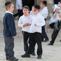Tìm hiểu cách người Do Thái dạy con giao tiếp