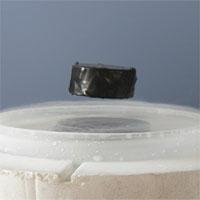 Lần đầu tiên tạo thành công tính siêu dẫn cho vật liệu thường