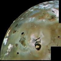 """Bằng chứng núi lửa đang """"làm loạn"""" mặt trăng Io của sao Mộc"""