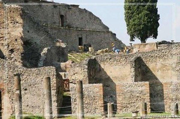 Thành phố Pompeii rộng khoảng 65 ha, độ dày của tro tàn cao 5,6 mét.