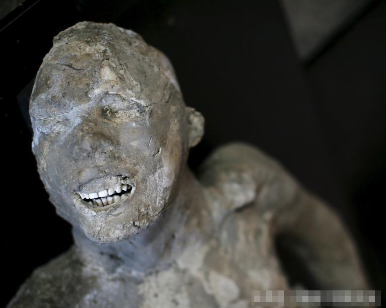 Đây là một nạn nhân tại Pompeii bị chôn vùi bởi dung nham của núi lửa năm đó.