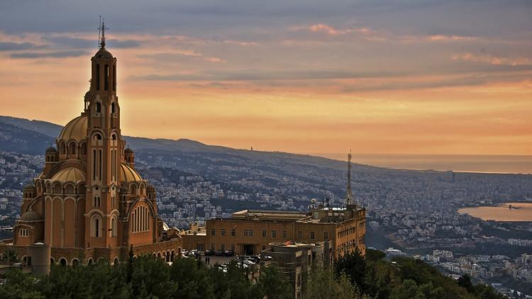 Một vài khu vực ở thủ đô Beirut, Lebanon, nguy hiểm đối với du khách do hoạt động khủng bố.