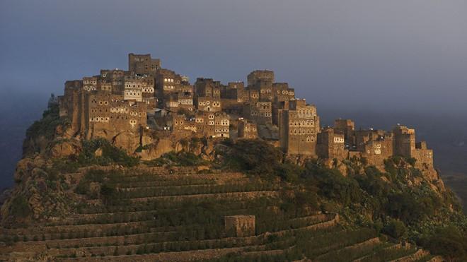 Yemen chung đường biên giới với Saudi Arabia có những địa điểm khảo cổ tuyệt đẹp, nhưng lại căng thẳng và bất ổn.