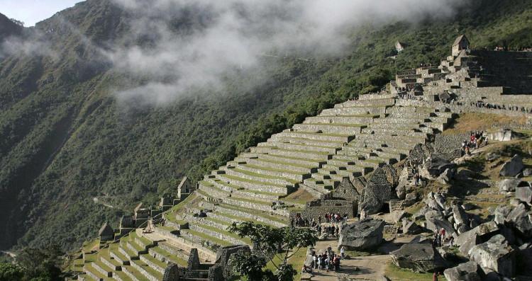 Sacred Valley còn sở hữu những thửa ruộng bậc thang lớn nhất nằm ở trung tâm có kích thước rất lớn, và độ sâu đi xuống khoảng 150 mét.