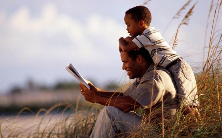 Không chỉ có IQ cao hơn, những đứa trẻ được ở bên bố nhiều còn tự tin hơn rất nhiều.