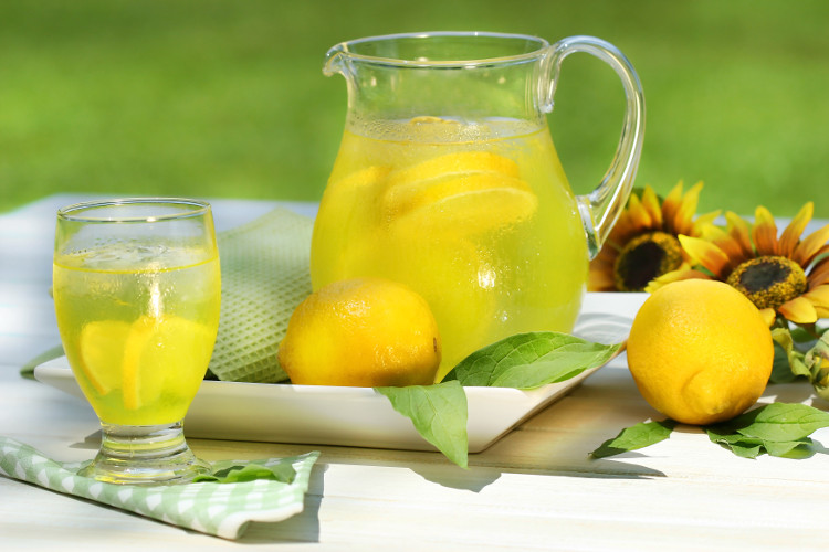 Uống chanh mật ong tăng cường hệ thống miễn dịch