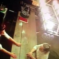 Video: Chiếc cốc ma quái ở quầy rượu lan truyền chóng mặt