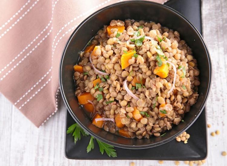 Ăn ngũ cốc nguyên cám, carbohydrate toàn phần giúp bạn no lâu hơn.Ăn ngũ cốc nguyên cám, carbohydrate toàn phần giúp bạn no lâu hơn.
