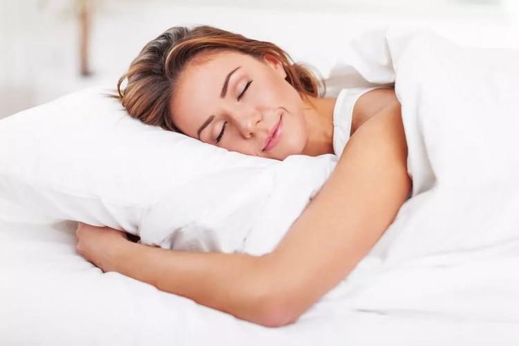 Giấc ngủ sâu xảy ra khi chúng ta không nằm mơ.