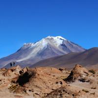 Bể nước 1000 độ C dưới núi lửa Bolivia