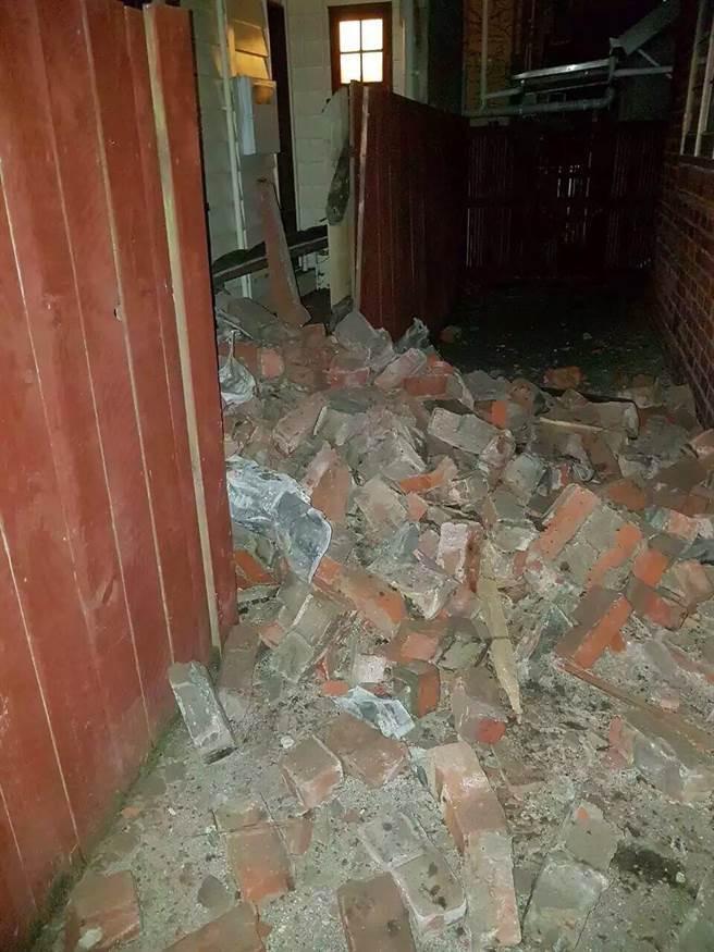 Một căn nhà bị hư hại nặng.
