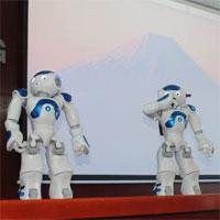 Robot thông minh dạy ngoại ngữ cho sinh viên ở Đồng Nai