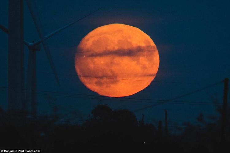 Siêu trăng ở nước Anh.