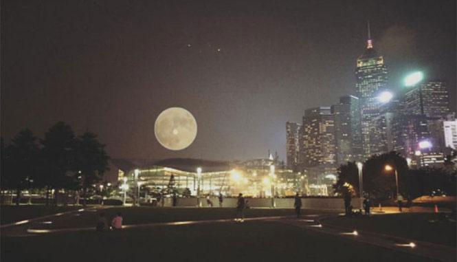 Siêu trăng tại Hong Kong