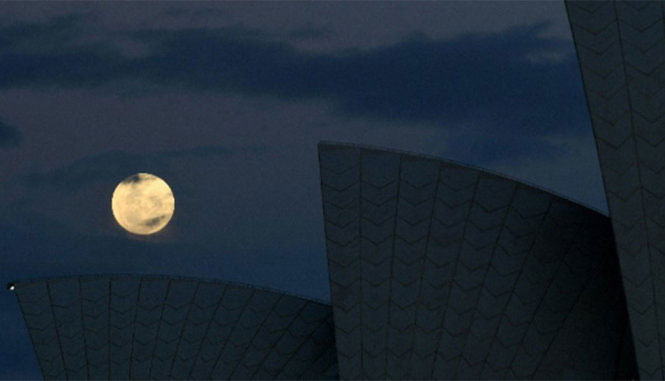Siêu trăng tại Nhà hát opera Sydney