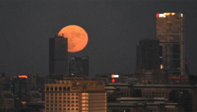 Siêu trăng tại Trung Quốc