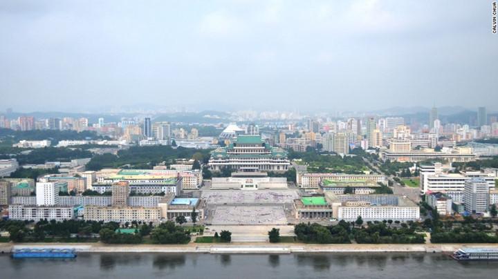 Quảng trường Kim Nhật Thành nhìn từ trên cao.