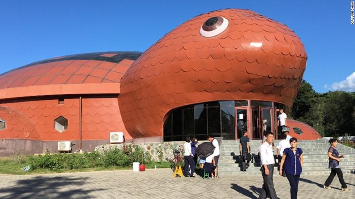 Sở thú Bình Nhưỡng có kiến trúc hình con rùa.