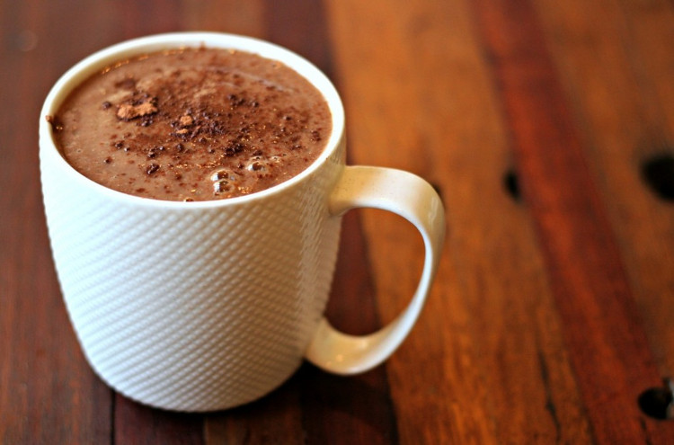 Một cốc ca cao nóng cũng đủ khiến cơ thể ấm áp trong ngày đông giá rét.