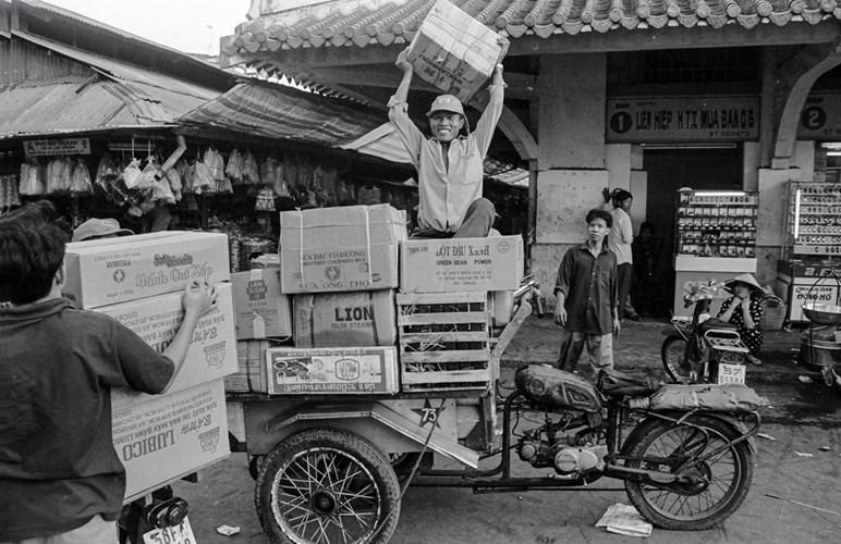 Chợ Bình Tây năm 1994.