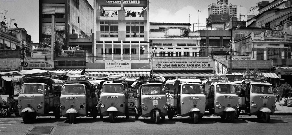 Bến xe lam đường Trang Tử, Chợ Lớn năm 1996.