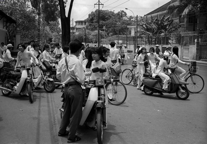 Học sinh phổ thông Sài Gòn, 1994.