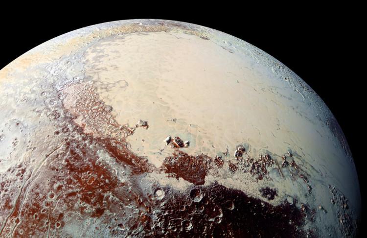 Vùng băng Sputnik Planitia trải dài 1.000km.