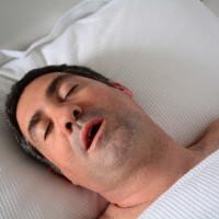 Điều gì xảy ra khi bạn ngưng thở trong lúc ngủ?