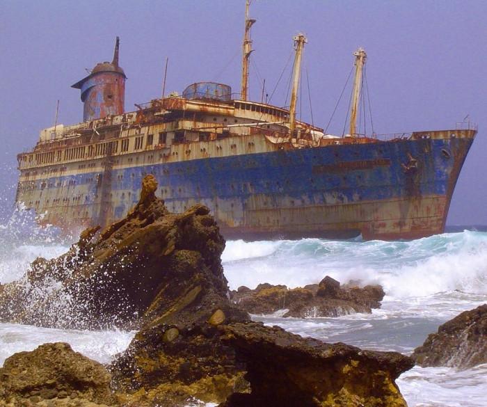 Con tàu bỏ hoang gần đảo Fuerteventura, thuộc quần đảo Canary.