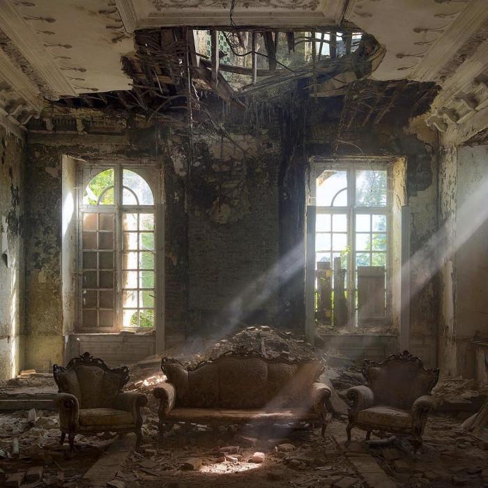 Những gì còn sót lại ở một cung điện cổ, Bỉ.