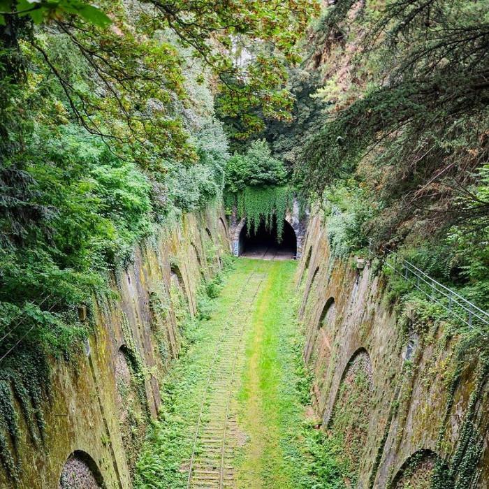 Đường hầm đường sắt bị lãng quên ở thành phố Paris, Pháp.