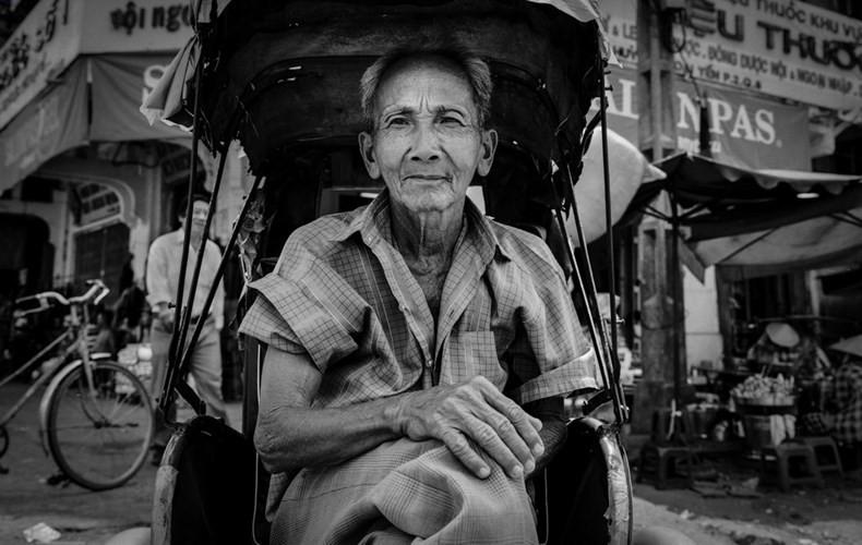 Một cựu binh hành nghề lái xích lô, 1999.