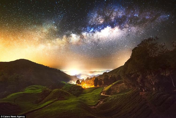 Cảnh đẹp ban đêm là những thứ mà bạn thường không nhìn thấy trong cuộc sống hàng ngày, đặc biệt là thiên hà.