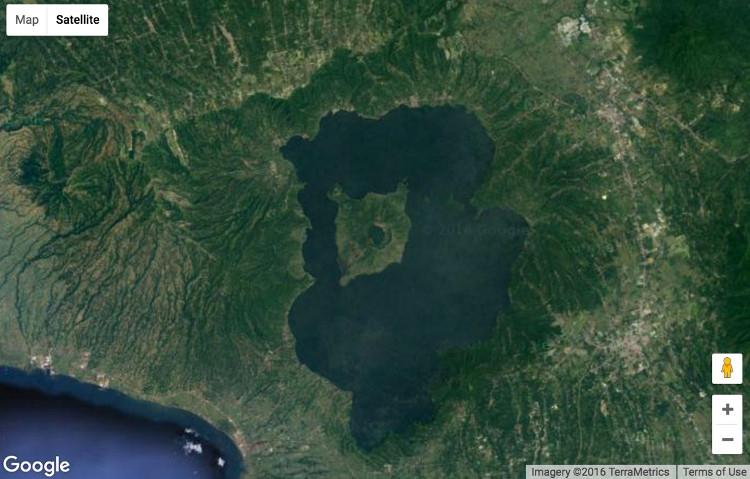 Đảo nằm trong hồ