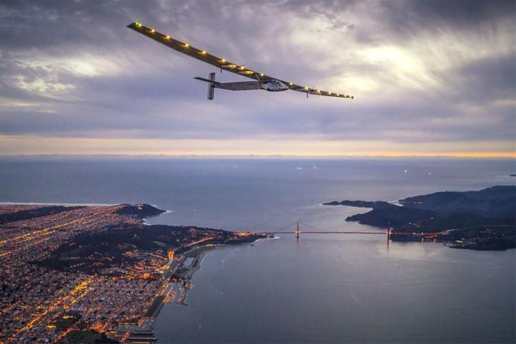 Chuyến bay bằng năng lượng mặt trời vòng quanh Thế giới