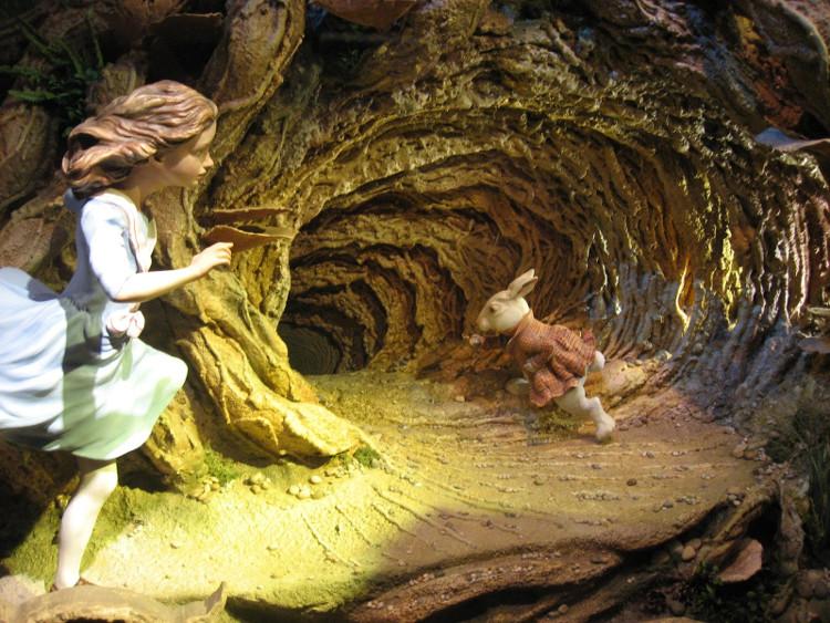 """Câu chuyện của Brian khiến chúng ta liên tưởng đến """"Alice ở xứ sở thần tiên""""."""