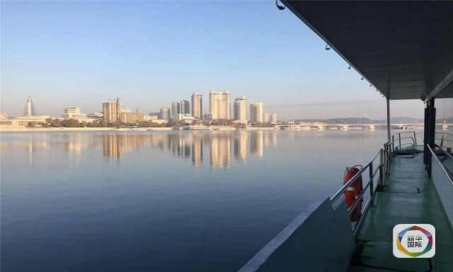 Những con thuyền sử dụng năng lượng mặt trời mang tên Ngọc Lưu bắt đầu hoạt động ở sông Đại Đồng, thủ đô Bình Nhưỡng, Triều Tiên